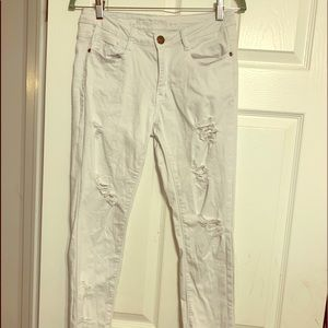 Machine Distressed White Jeans sz 29